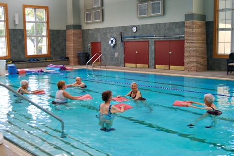 Hillcrest residents enjoy swimming classes – one of the many extracurricular activities offered in the community. / photo by Wei Huang