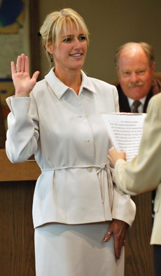 Donna Nasmyth, La Verne's newest city council member, is sworn in at the council's Oct. 1 meeting. / photo by Leah Heagy